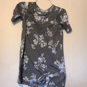 Tops - Gray Floral Cold Shoulder Tunic Top